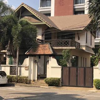 Pool House Pattaya City (9).jpg