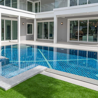 Jomtien 4 Bedroom Luxurious Pool Villa in Village (18).jpg