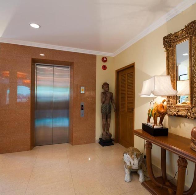 42 Room Resort Hotel (8).jpg