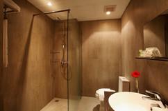 95 Room Hotel Pattaya City for Sale (16).jpg