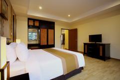 95 Room Hotel Pattaya City for Sale (4).jpg