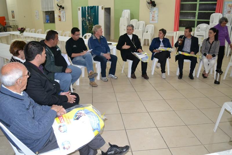 Bispo auxiliar de Porto Alegre Dom Adilson Busin participou do lançamento. Foto: Elton Bozzeto