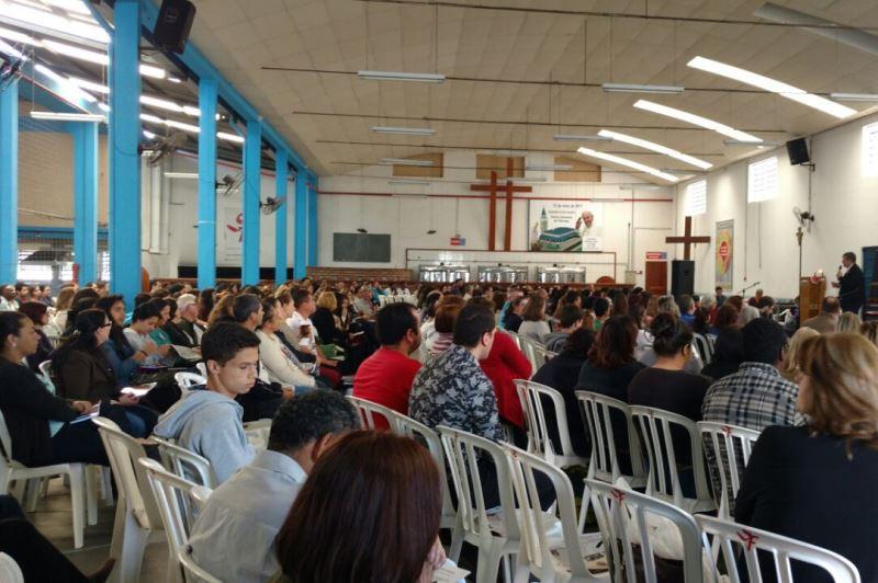 Cerca de 500 catequistas de Crisma se reuniram no último dia 19. Foto: Lélia Ferreira