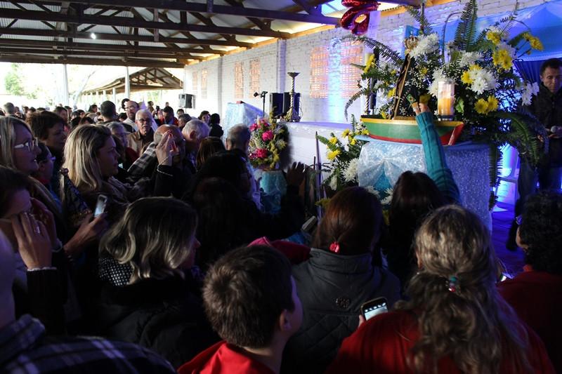 Imagem de Nossa Senhora Aparecida foi acolhida pela comunidade do Vicariato de Gravataí. Foto: Amanda Fetzner Efrom