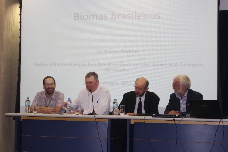 Júlio César Bicca-Marques (E), Dom Jaime Spengler, Draiton Gonzaga de Souza e Rainer Radtke. Foto: Judinei Vanzeto