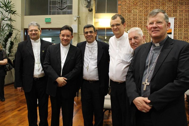 Bispos católicos marcam presença