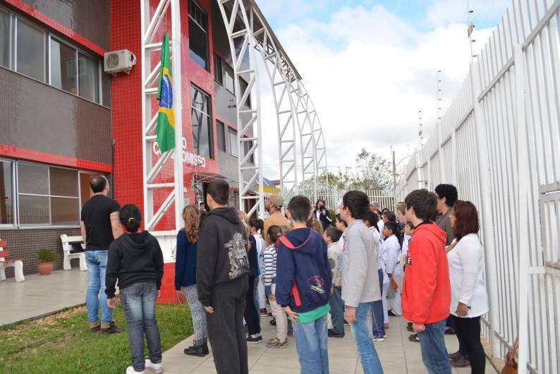 Abertura da Semana da Pátria contou com Hora Cívica. Foto: divulgação