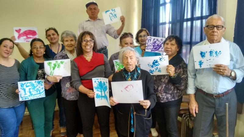 Oficina reuniu idosos da paróquia Nossa Senhora da Medianeira. Foto: divulgação