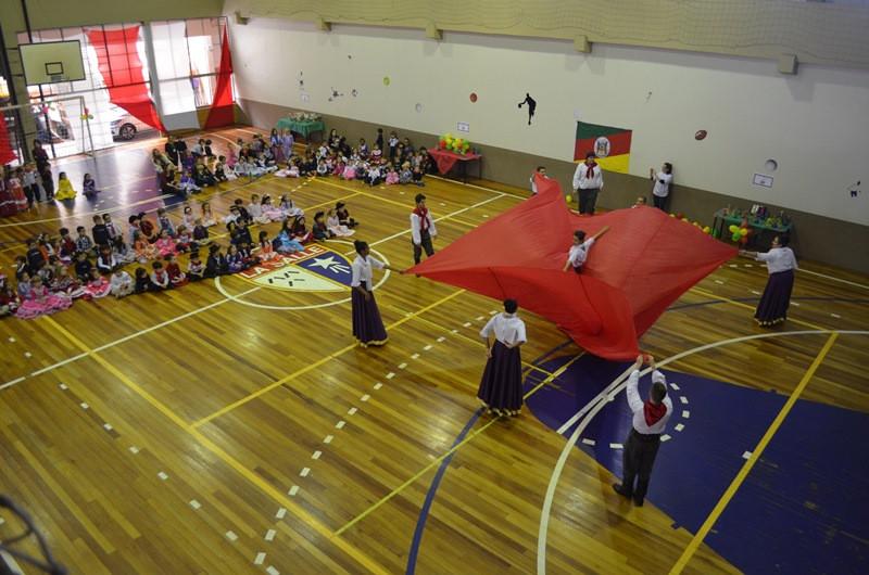 Grupo inovou nas danças folclóricas. Foto: Comunicação Projari