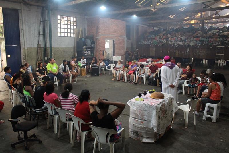 Dom Leomar Brustolin celebrou na Cooperativa Santa teresinha. Foto: Nelson S Pereira