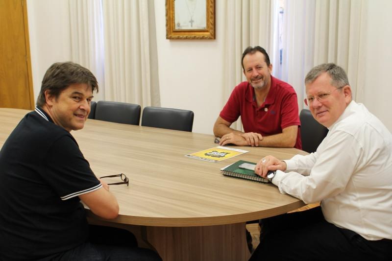 Dom Jaime se reuniu com representantes da CUT no Rio Grande do Sul. Foto: Nelson S Pereira