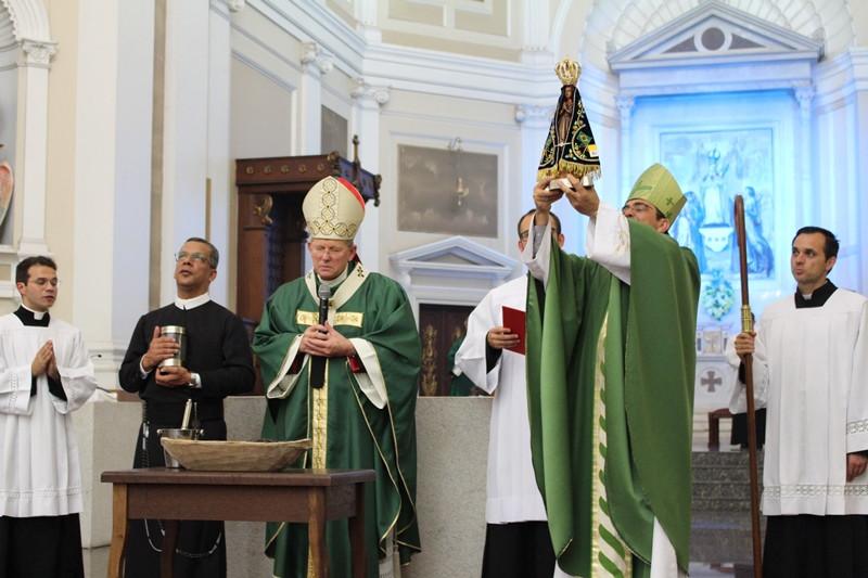 Encerramento do Ano da Misericórdia na Arquidiocese foi marcado pelo acolhimento solene da imagem de Aparecida. Foto: Amanda Fetzner Efrom