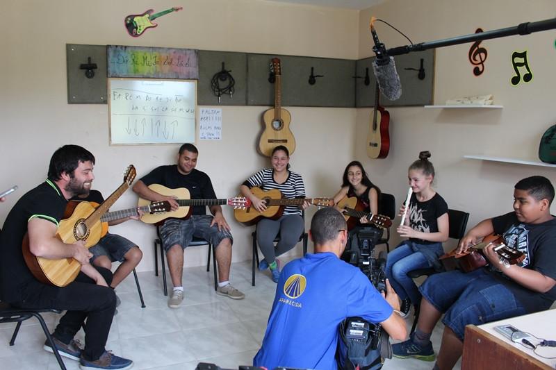 Alunos de música do Centro Social Padre Irineu Brand participaram da gravação. Foto: Amanda Fetzner Efrom
