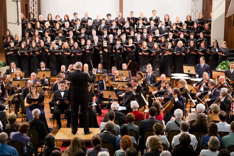 Coro e orquestra sinfônica de Porto Alegre. Foto: Antonieta Pinheiro, divulgação