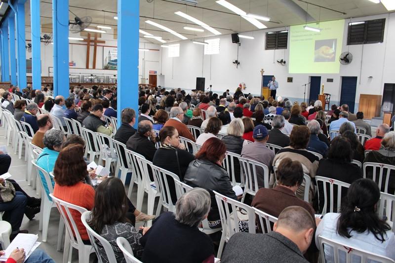Grande número de catequistas participaram dos encontros no Instituto São Francisco. Foto: Amanda Fetzner Efrom