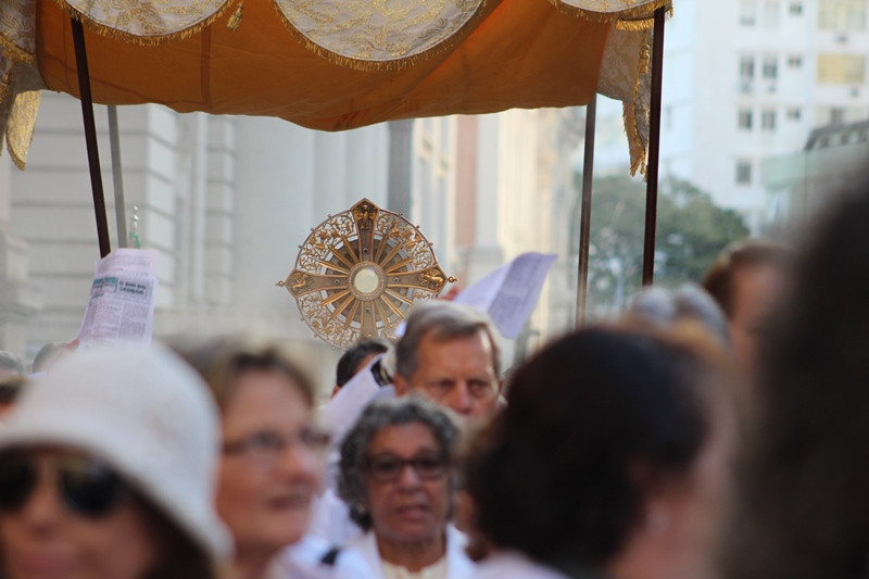 Missa e procissão de Corpus Christi foram celebradas nesta quinta-feira à tarde na Capital. Foto: Amanda Fetzner Efrom