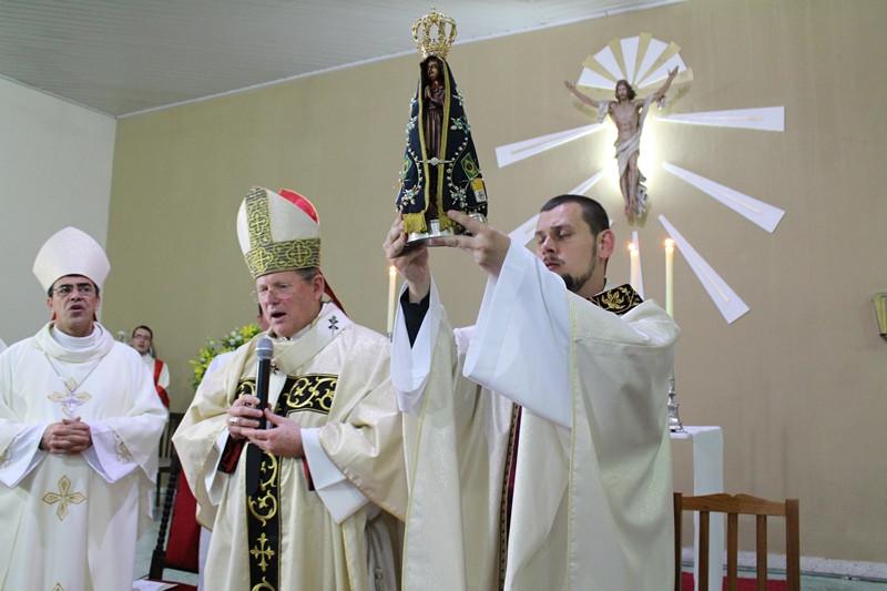 Imagem peregrina na ordenação do padre Bruno Eskopinski, em julho