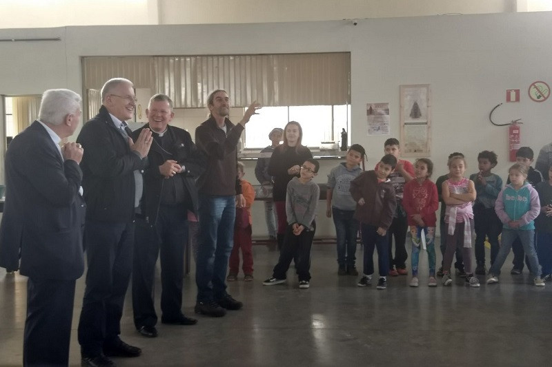 Dom Heinrich no Centro Social Padre Pedro Leonardi. Foto: divulgação