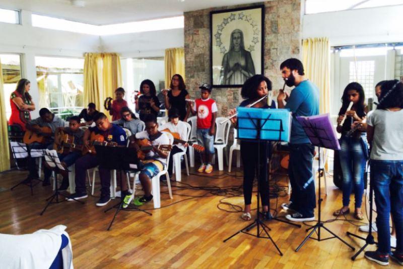 Conjunto Instrumental fez uma apresentação aos padres do Lar Sacerdotal. Foto: divulgação