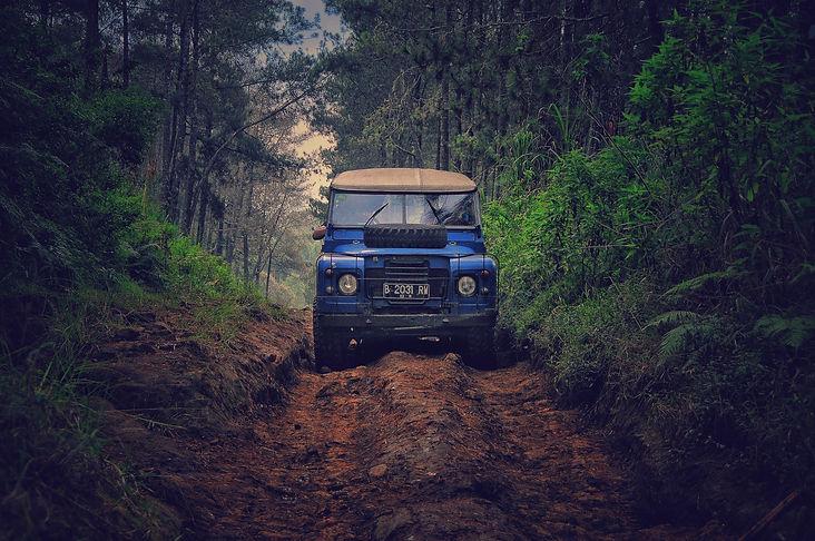 action-adventure-dirt-road-758744.jpg