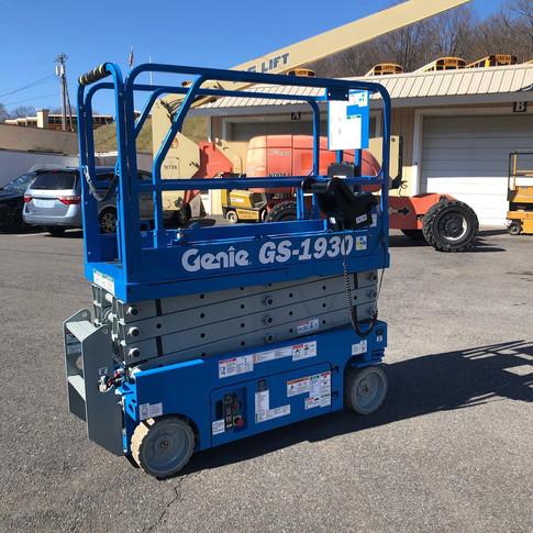 2004 Genie GS-1930V1.jpg