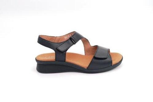 Felicia - Black Leather