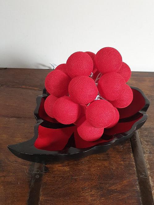 Boule en coton rouge