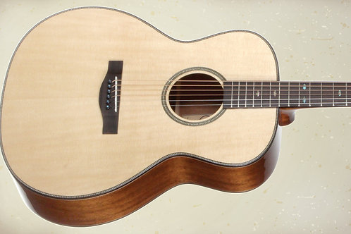Teton STA200NT All-Solid Auditorium Guitar & HS Case, Spruce Top, Mahogany Back