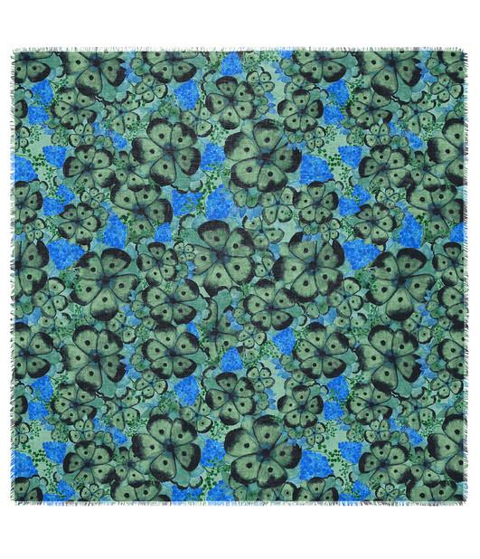 Swatch on a 45x45 cm fabric sample.