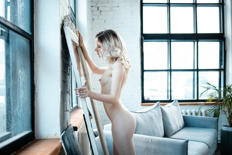 Nude Photoshoot in white room