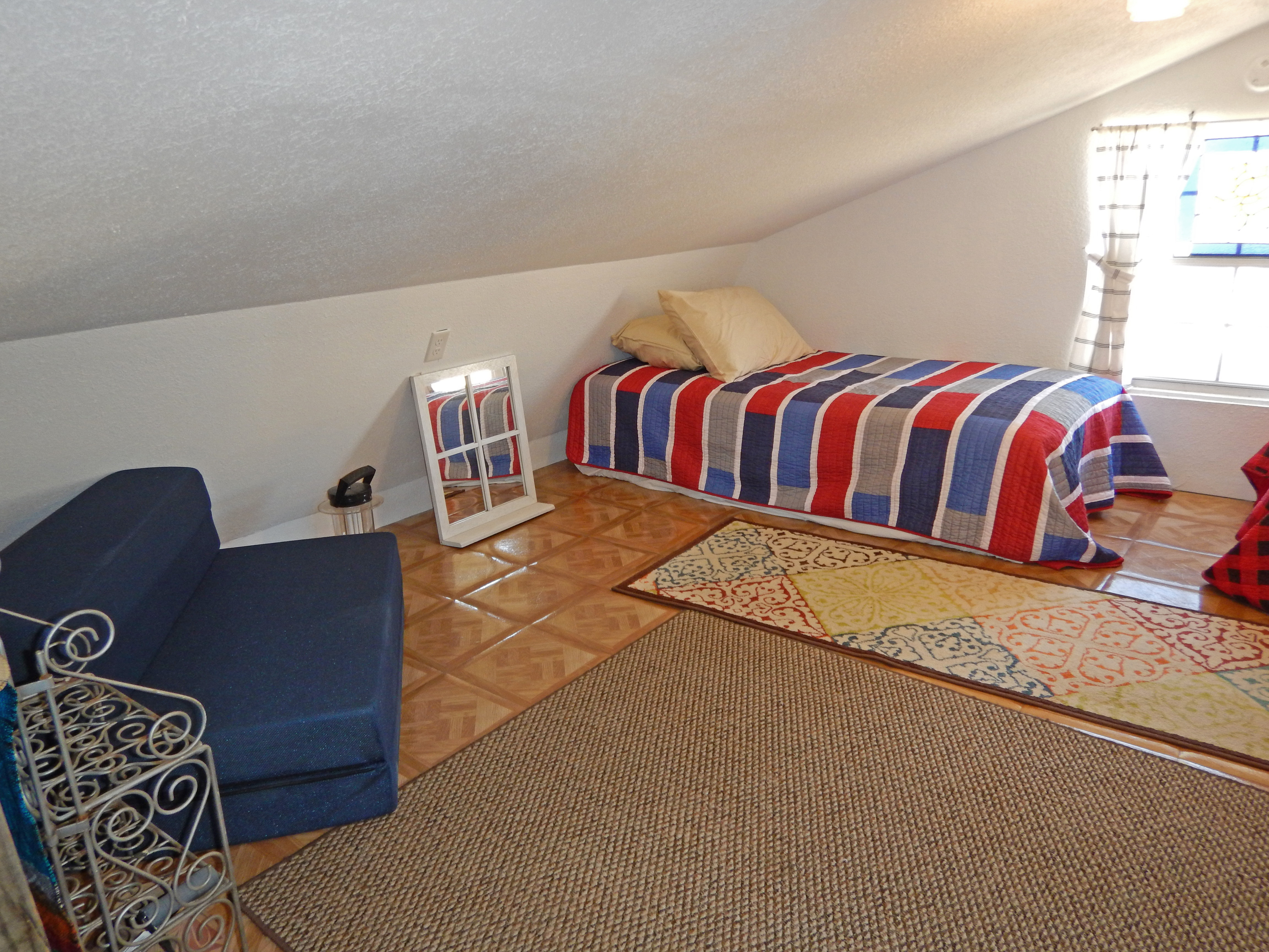 STC Sleeping Loft -side