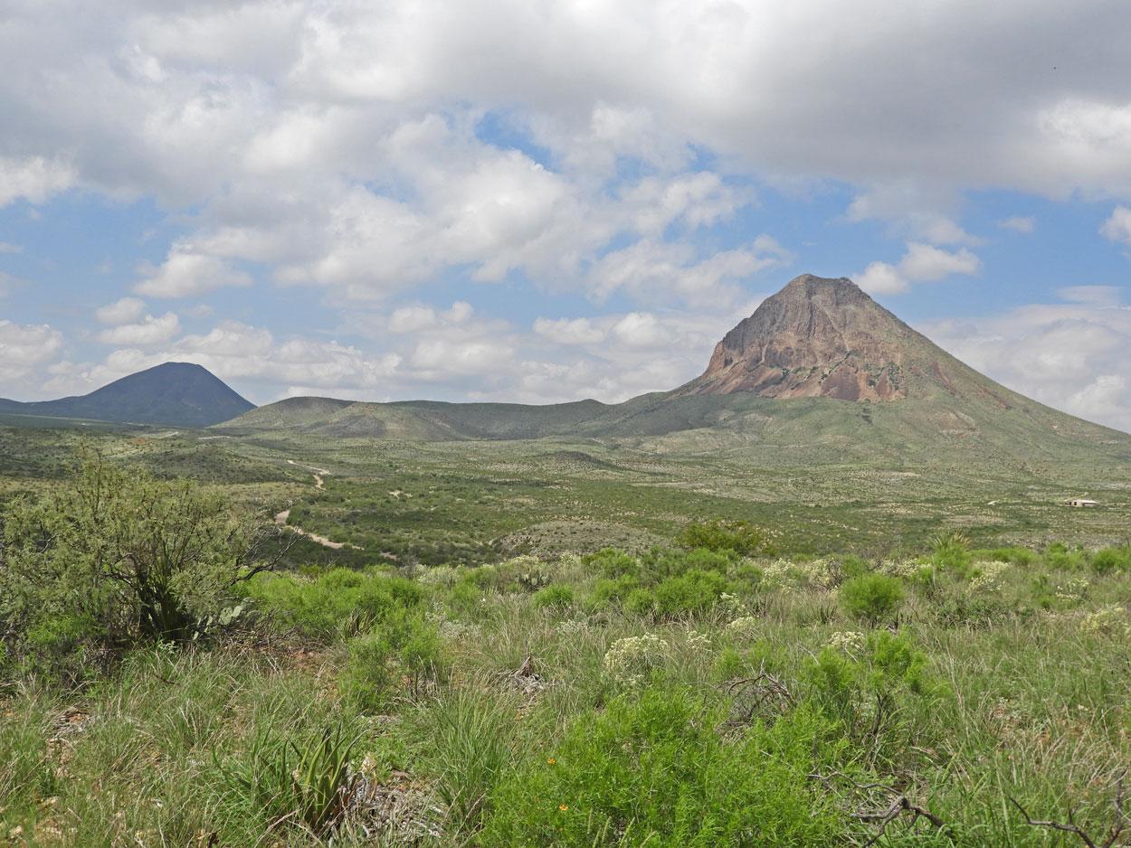 W-Corazones-Peak-2