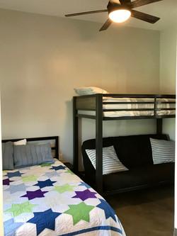 Star 2nd Bedroom IMG_2312