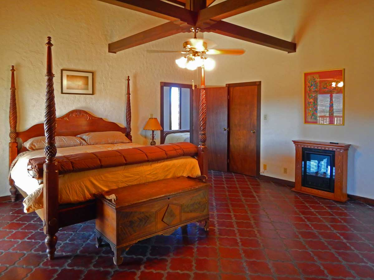 TMR-Bedroom