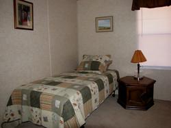 LHR-Room-2-Twin.jpg