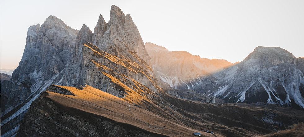 mountains-4671122.jpg