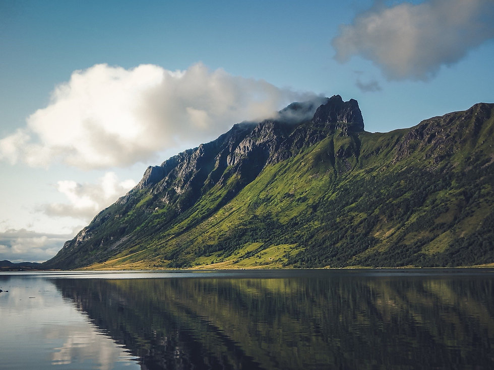 mountains-6067150_1920.jpg