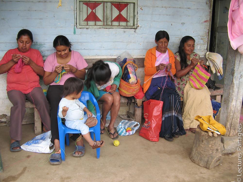 Tricot d'objets en fique à Quebrada Honda