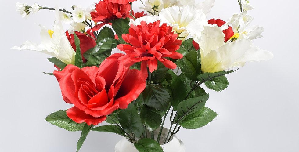 Μπουκέτο με τεχνητά λουλούδια τριαντάφυλλα και χρυσάνθεμα σε κόκκινο χρώμασε πλαστικό βάζο. Το μπουκέτο είναι στερεωμένο με