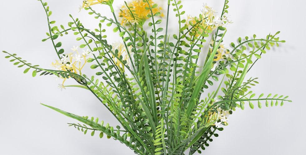 Τεχνητή πρασινάδα με ανθάκι σε σχήμα αστεριού.Τεχνητό φυτό.