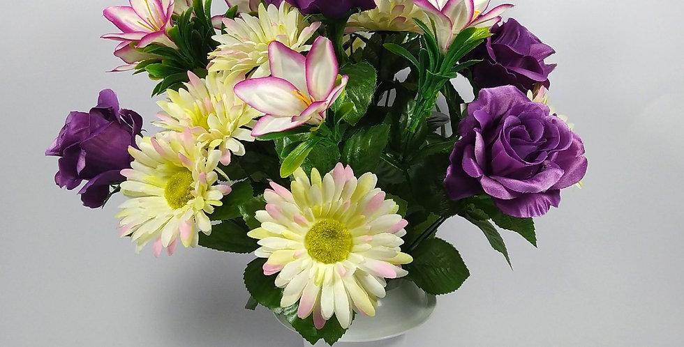 Τριαντάφυλλα μωβ- ζέρμπερες - κρινάκια - Μπουκέτο σε βάζο