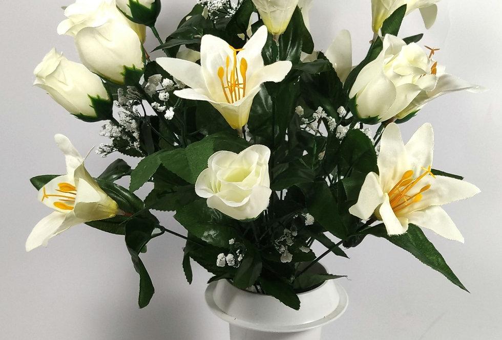 Λευκά τριαντάφυλλα και κρινοι - Μπουκέτο σε βάζο