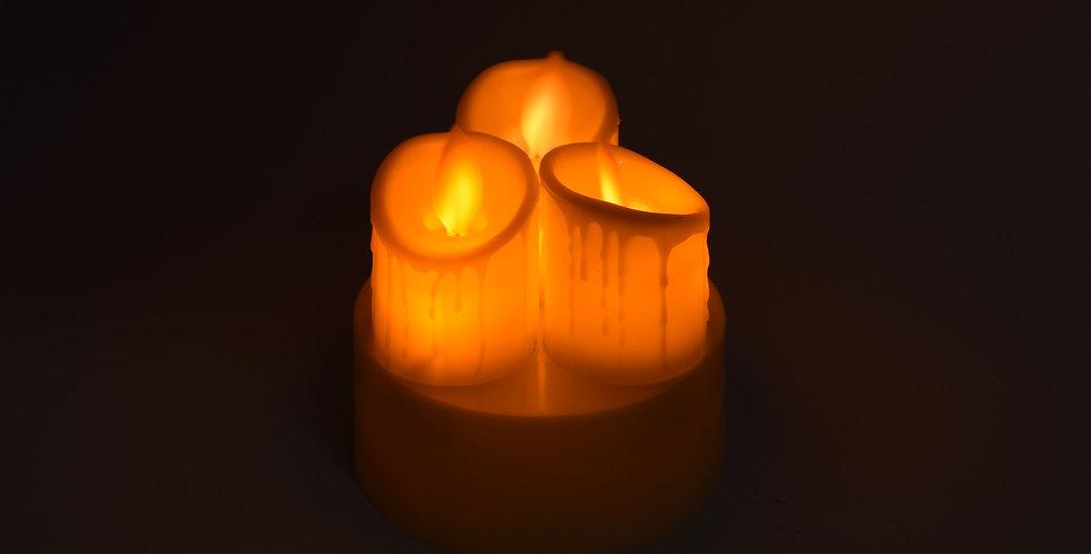 Τριπλό ηλεκτρονικό κερί. Ιδανικό για τραπέζια σε ταβέρνες, καφετέριες, και βεράντες. Λειτουργεί με 3 μπαταρίες ΑΑ (Δεν περιέχ