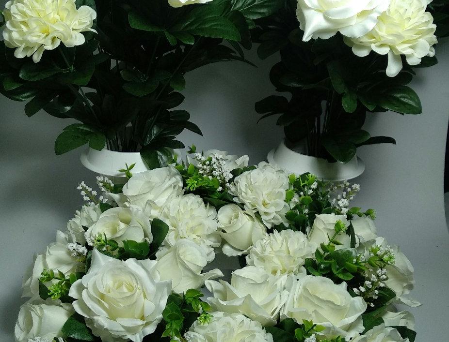 Σετ στεφάνι με 2 βάζα - Χρυσάνθεμα και τριαντάφυλλα