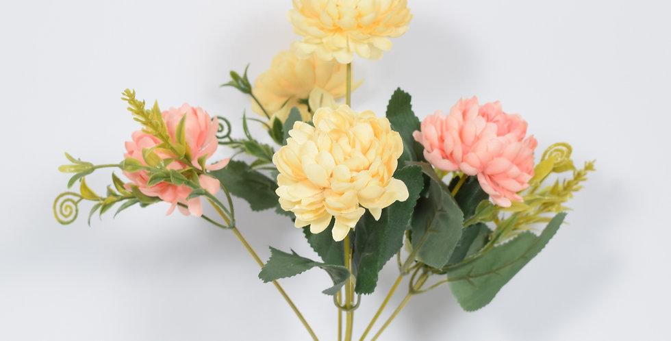 Μικρό μπουκέτο με τεχνητά άνθή χρυσάνθεμα, σε 4χρωματικούς συνδυασμούς σε παστέλ χρώματα.