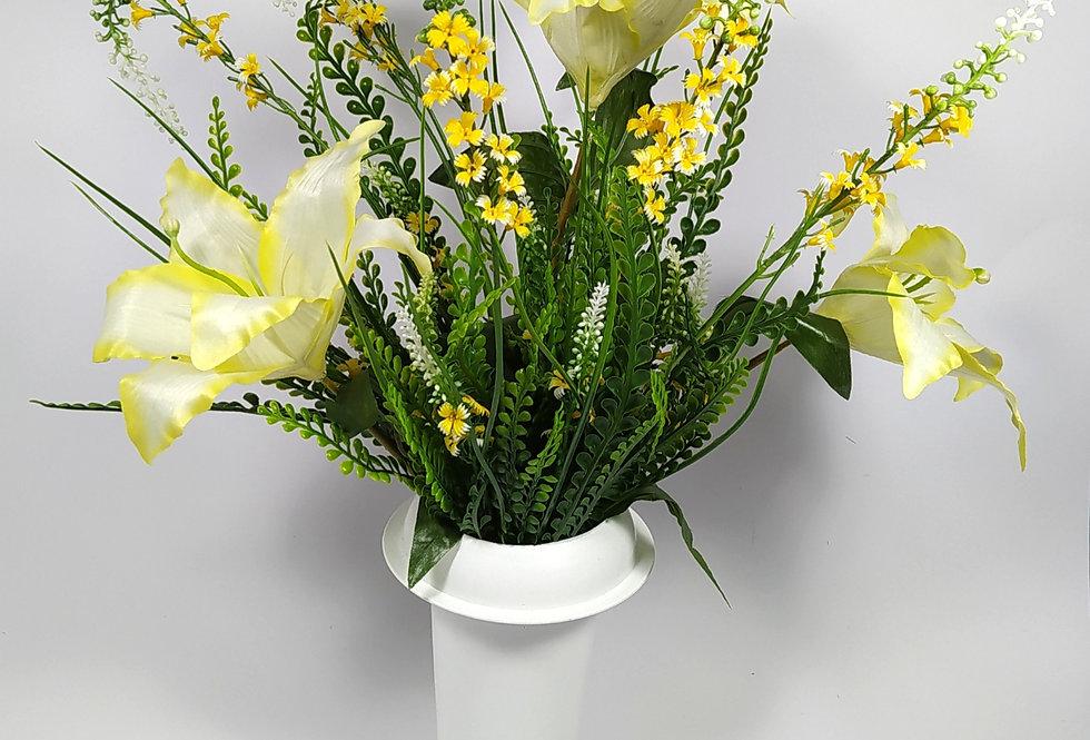 Κρινάκια κίτρινα με αγριολούλουδα - Μπουκέτο σε βάζο