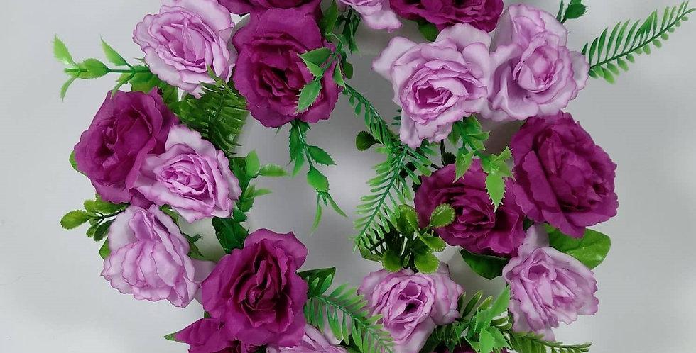 Στεφάνι με φούξια τριαντάφυλλα