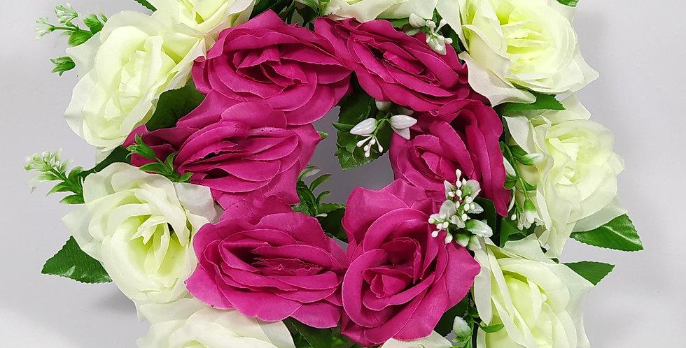 Τριαντάφυλλα άσπρο - φούξια μεγάλα - Στεφάνι