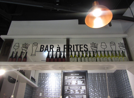Bar-A-Frites at Le District
