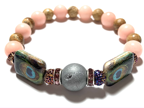 Stunning Druzy quartz stone with peacock beads